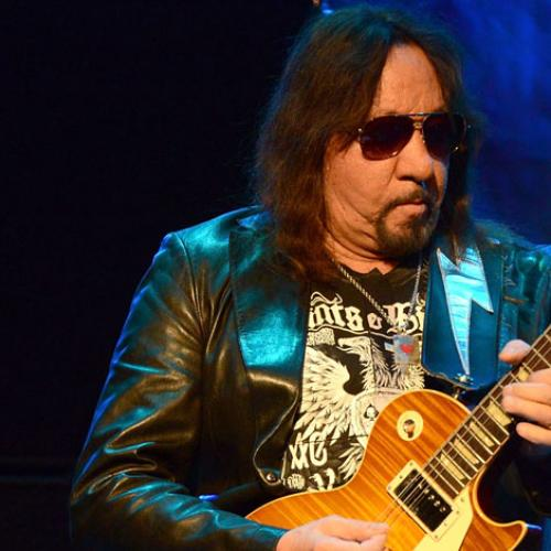 Jonesy & Amanda Chat To Former Kiss Star Ace Frehley