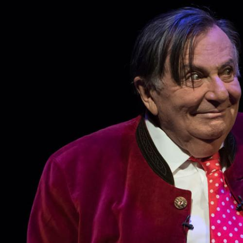 Jonesy & Amanda Chat To Legendary Performer Barry Humphries
