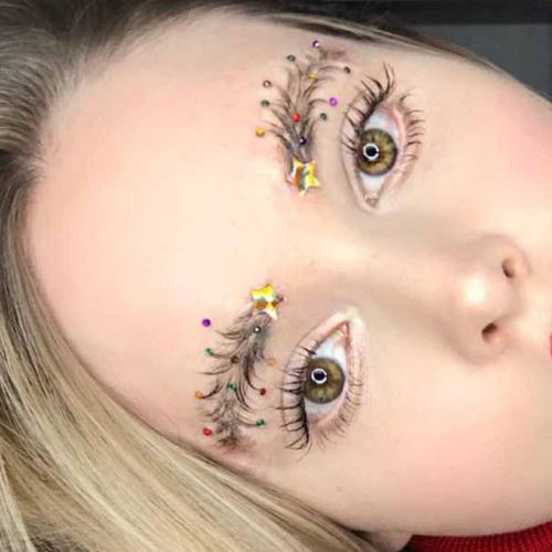 Christmas Tree Brows Are The New Holiday Trend
