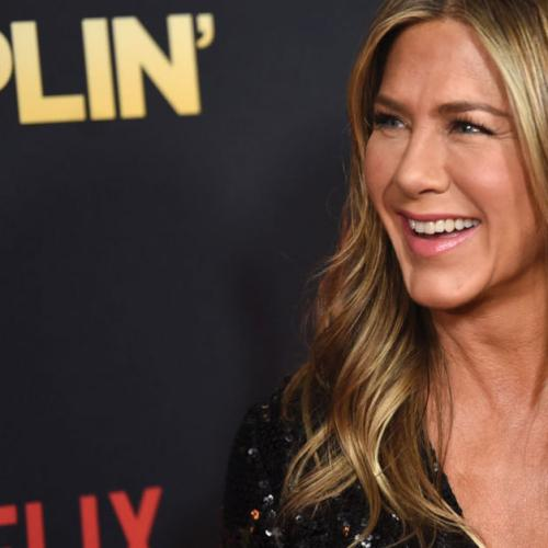 A Topless Snap Of Jen Aniston Has Surfaced On Her 50th