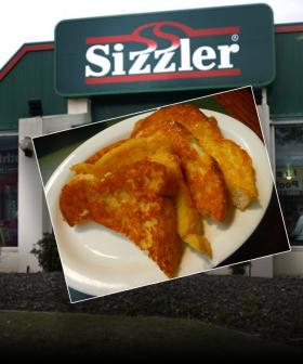 You Can Now Make Sizzler Cheese Bread At Home