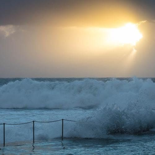 Gale Force Winds And Powerful Surf Warning Issued For Parts Of Sydney