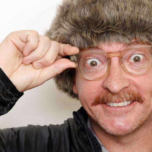 Kiwi Comedian Rhys Darby Cracks Up Jonesy & Amanda