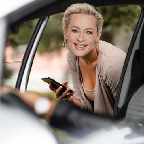 "Uber Driver Wants To ""Bed"" Amanda Keller"