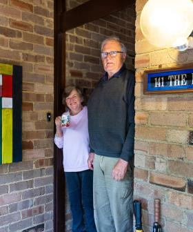 http://Clif%20&%20Angie,%20Wahroonga,%20greeted%20me%20with%20a%20bottle%20of%20home-made%20hand%20sanitiser.%20All%20of%20the%20shows%20Angie%20was%20due%20to%20see%20had%20been%20cancelled.