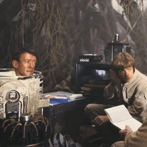 Check Out These Rare And Super Nostalgic Behind-The-Scenes Star Wars Photos