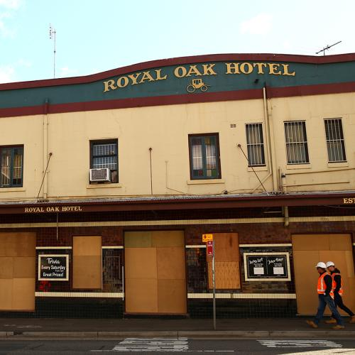 Pubs And Clubs Can Reopen In NSW From Friday, But There's Some Strict Rules
