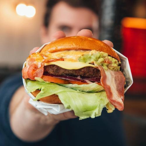 US Burger Chain Carl's Jr Is Coming To Sydney!