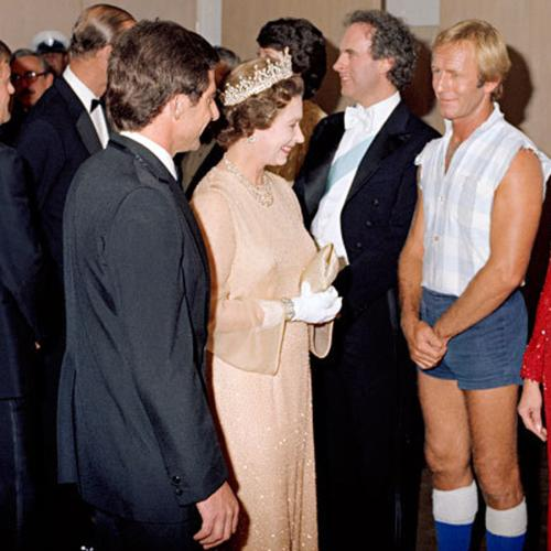Paul Hogan Reveals What ACTUALLY Happened When He Met The Queen