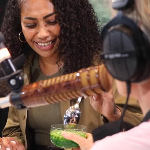 Paulini Tries Amanda Keller's 'Peas In Jelly'