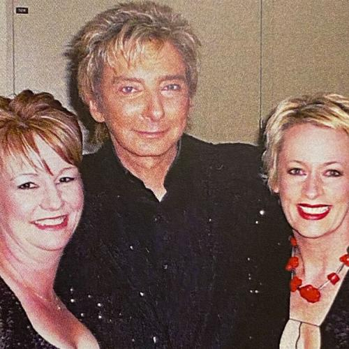 """I Began Crying!"": The Moment Amanda Keller Met Barry Manilow"