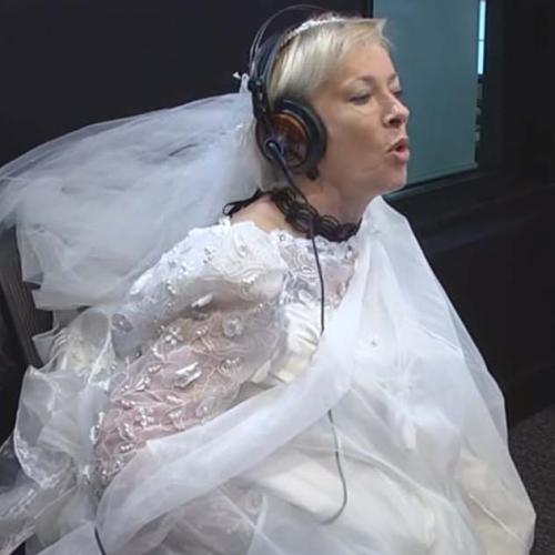 Amanda Keller Tries The 'BRIDAL BUDDY' So She Can Use The Toilet In Her Wedding Dress