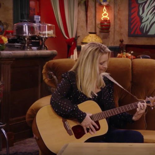 Watch Lady Gaga Perform 'Smelly Cat' With Lisa Kudrow In Friends Reunion