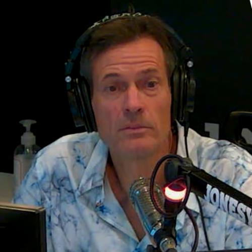 """Jonesy Has A Bone To Pick With Channel Nine's """"Hypocritical"""" Coverage Of The Vaccine"""