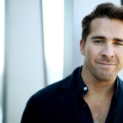 Packed To The Rafters Star Hugh Sheridan Celebrates Pride Month By Announcing They Are Non-Binary