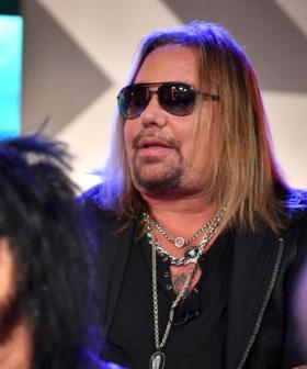Mötley Crüe's Vince Neil Walks Off Stage, Says Voice Is 'Gone'