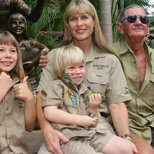 """Amanda Keller Reacts To Bindi Irwin's Alleged """"Psychological Abuse"""" From Estranged Grandfather"""