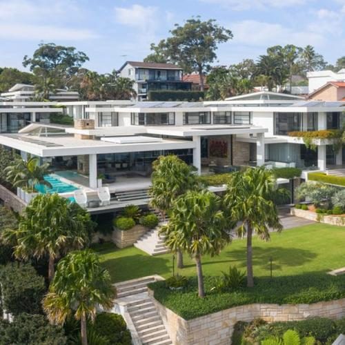Chris Hemsworth Might Be Buying This $50 Million Mansion Which Is Conveniently Located Next To Jonesy's House