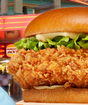 """Hungry Jack's Releases A BRAND NEW Chicken Burger """"40% Bigger"""" Than Its Closest Competitor!"""